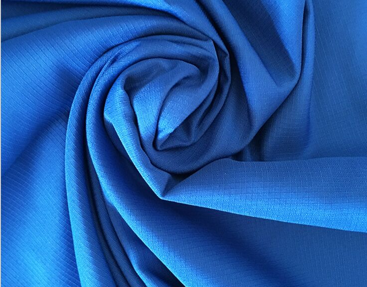 Polyester microfiber pongee 240T rip-stop fabric 75 gsm plain dyed