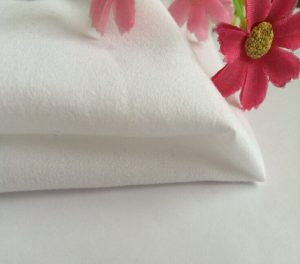 Polyester Microfiber Fabric Peach Finished White Color 120 gsm