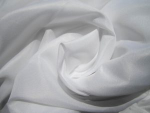 Polyester Microfiber Fabric Peach Finished white color 115 gsm
