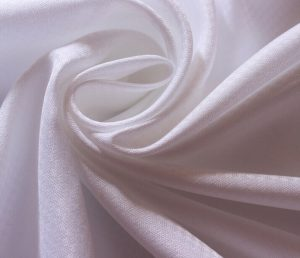 Polyester Microfiber Fabric Peach Finished white color 80 gsm
