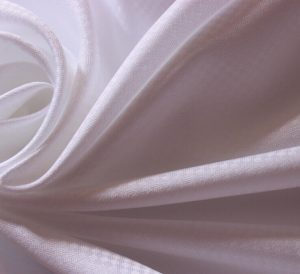 Polyester Microfiber Fabric Peach Finished white color 85 gsm